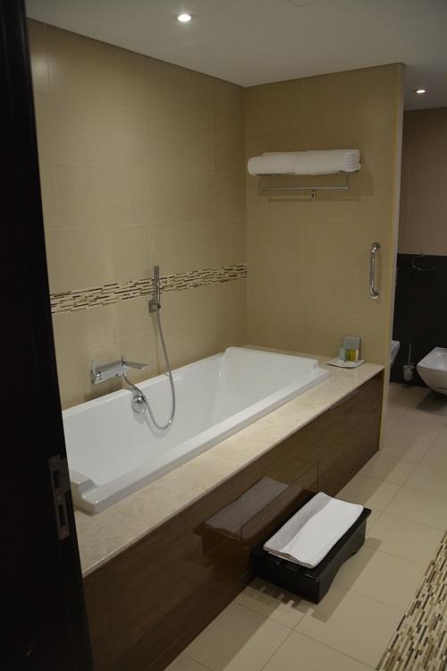 Warwick Hotel Dubai Restaurants