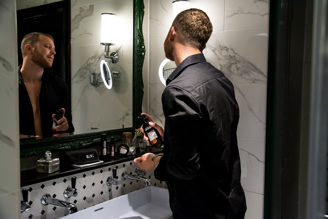 emvoyoe mit Barber Club von L'Oréal Paris Men Expert im The Curtain Hotel in London
