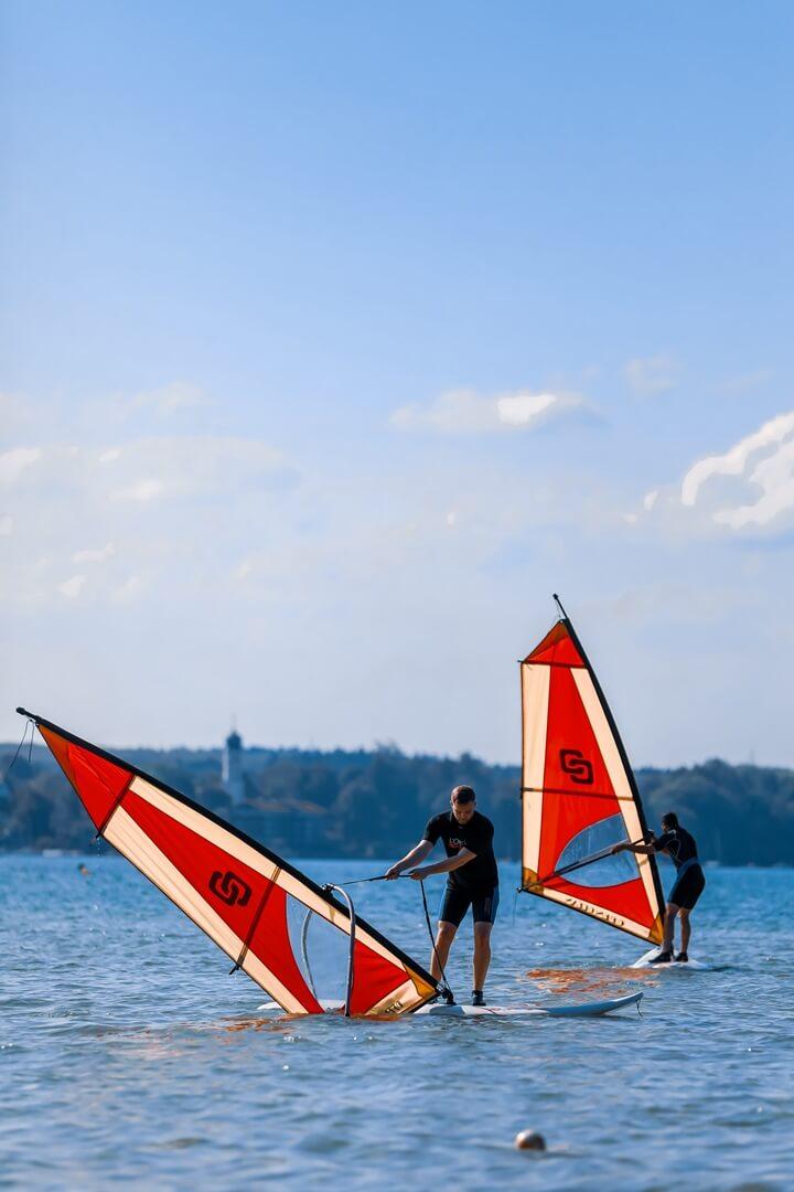 Ich während dem Windsurfkurs am Starnberger See