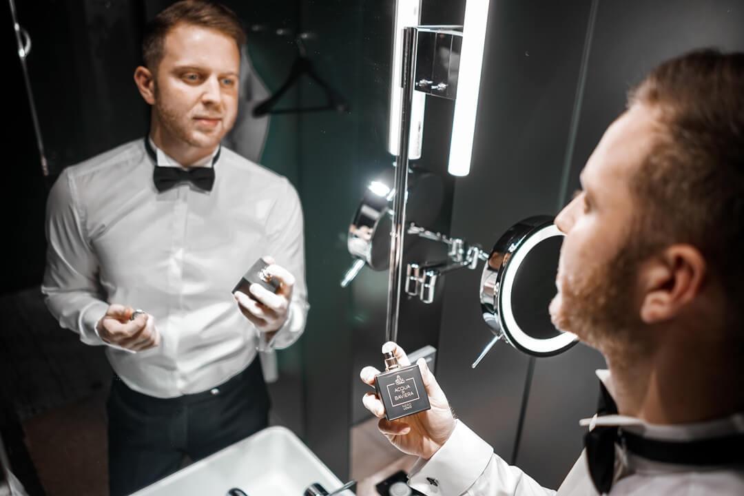 Im Sofitel Bad mit dem Parfum Nero Uomo von Acqua di Baviera
