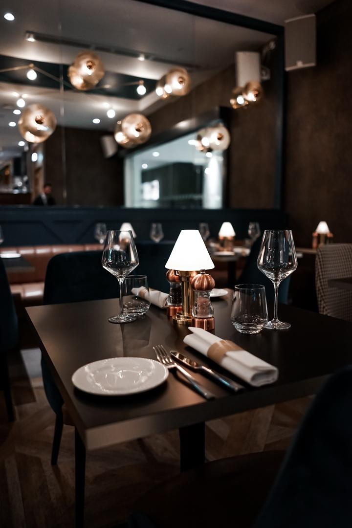 10 Fleet Street Restaurant & Bar