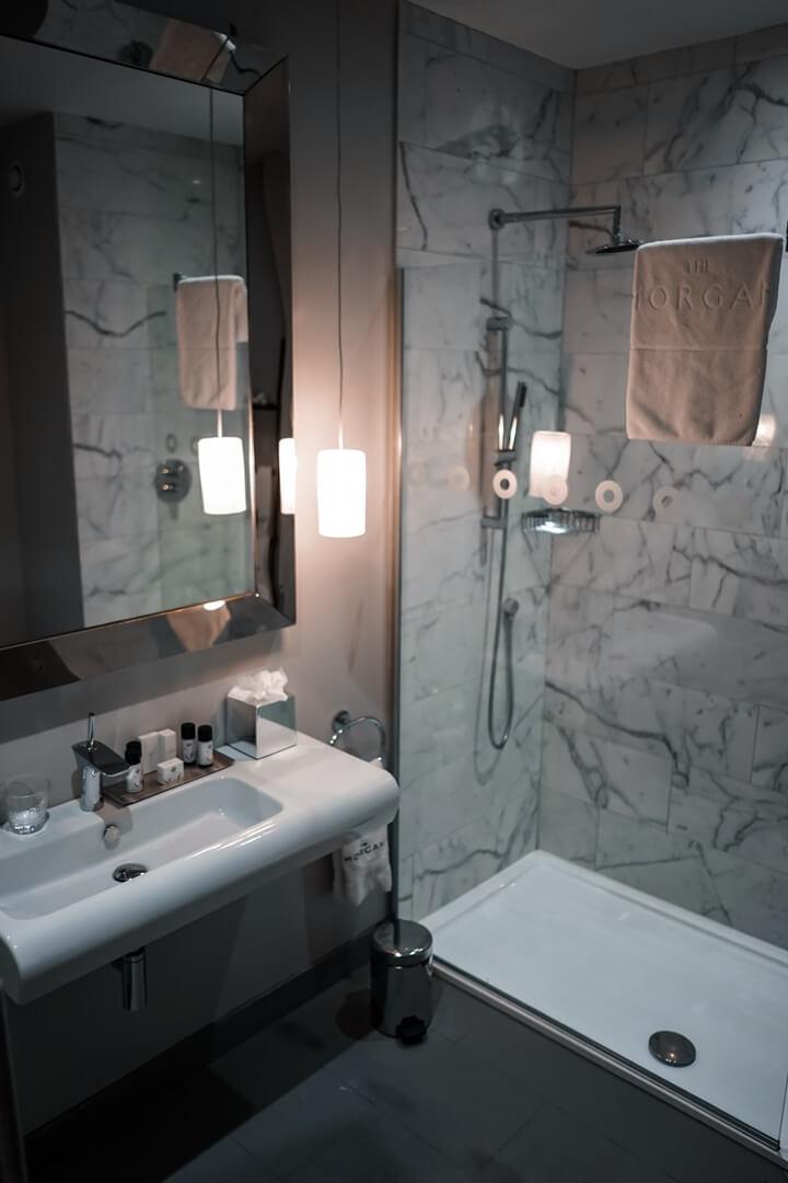 The Morgan Hotel Dublin Deluxe Zimmer Dusche