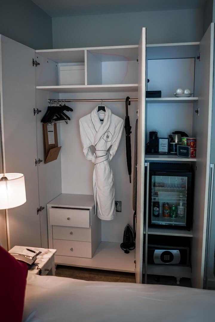 The Morgan Hotel Dublin Deluxe Zimmer Schrank