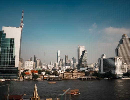 Bangkok Skylines & Chao Phraya Fluss