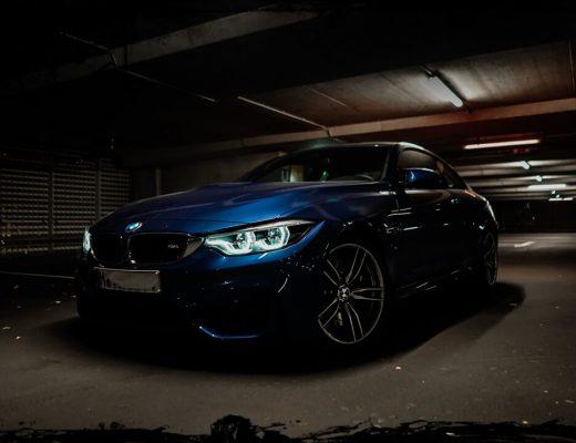 BMW M4 Coupé F82 San Marino Blau Seitenansicht