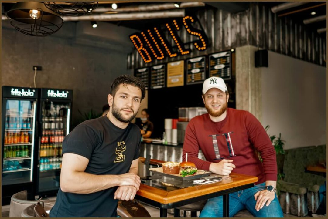 emvoyoe meets Alptekin Mermertas von Bull's Kitchen in Hannover