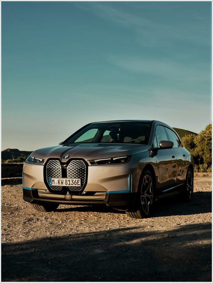 Ansicht vom BMW iX ohne Sportpaket