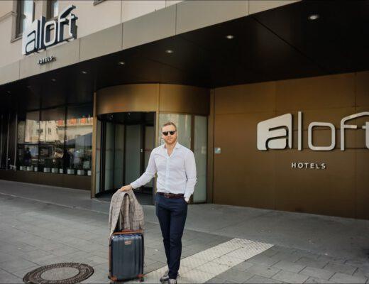 Aloft München Hotel Eingang