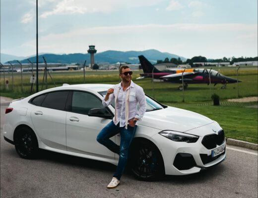 BMW M235i xDrive Gran Coupe am Red Bull Hangar in Salzburg