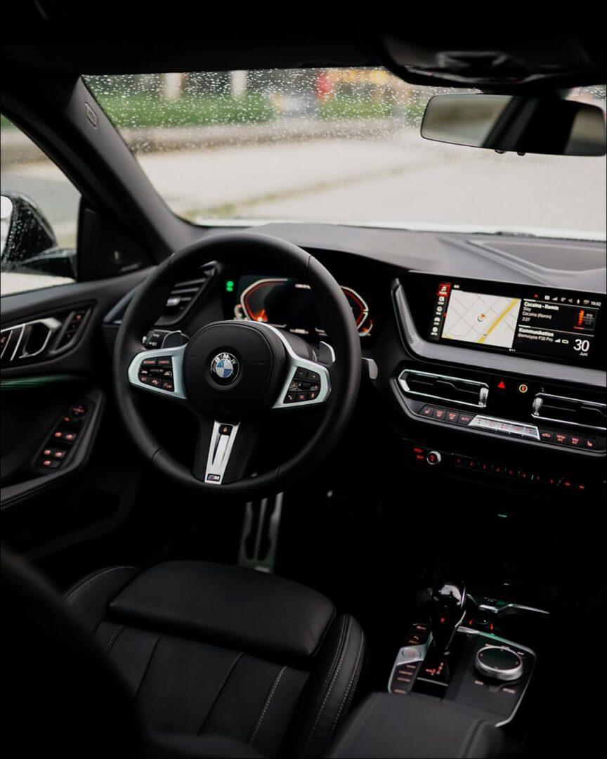 BMW M235i Interieur & M Sportlenkrad